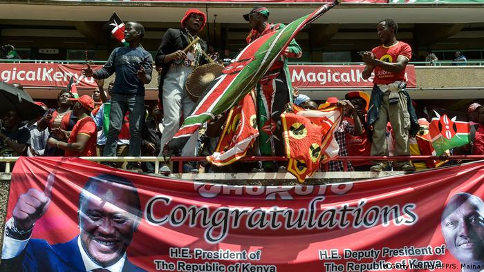 Supporters at the inauguration of President Uhuru Kenyatta (Getty Images/AFP/S. Maina)