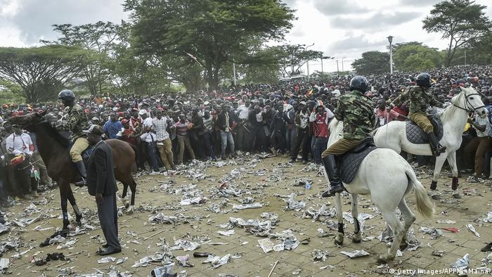 Mounted police at the inauguration of President Uhuru Kenyatta (Getty Images/AFP/S. Maina)