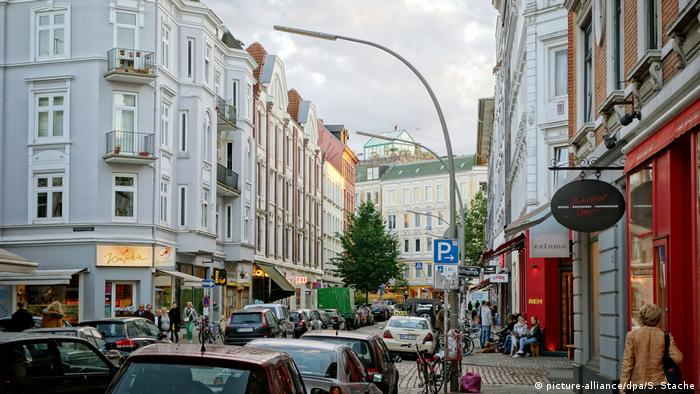A street in the Altona neighborhood of Hmaburg (picture-alliance/dpa/S. Stache)