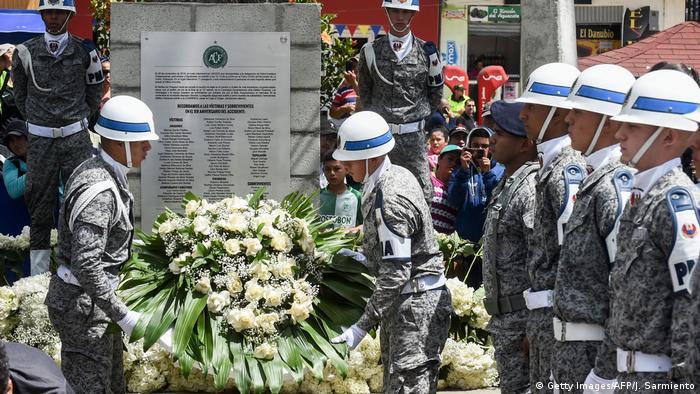 Kolumbien Jahrestag Flugzeugabsturz der brasilianischen Fußballmannschaft Chapecoense (Getty Images/AFP/J. Sarmiento)