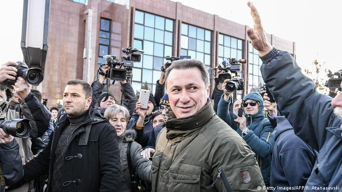 Mazedonien Proteste in Skopje VMRO DPMNE Nikola Gruevski (Getty Images/AFP/R. Atanasovski)