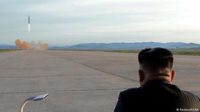 Nordkorea Raketentest Kim Jong Un in Pjöngjang (Reuters/KCNA)