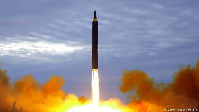 Nordkorea Raketentest in Pjöngjang (Getty Images/AFP/STR)
