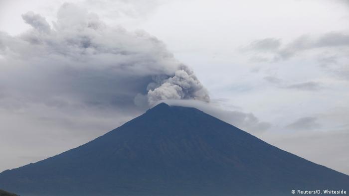 Indonesien Vulkan Agung in Bali (Reuters/D. Whiteside)