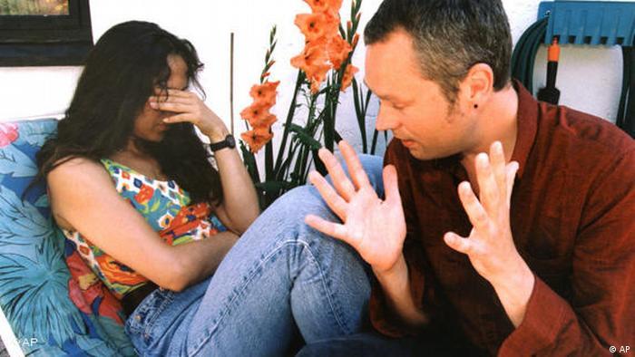Streitendes Paar gestellte Szene
