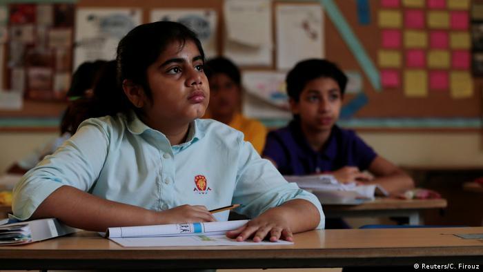 Pakistan Bildungslücken im Land (Reuters/C. Firouz)