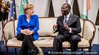 Kansela Angela Merkel akizungumza na mwenyeji wakle, rais Alassane Ouattara wa Côte d'Ivoire
