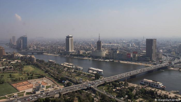 A panaramo of the Nile flowing through Cairo
