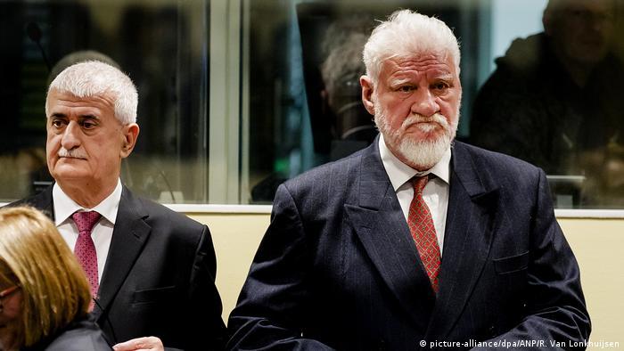 Letztes Urteil des UN-Tribunals Bruno Stojic und Slobodan Praljak (picture-alliance/dpa/ANP/R. Van Lonkhuijsen)
