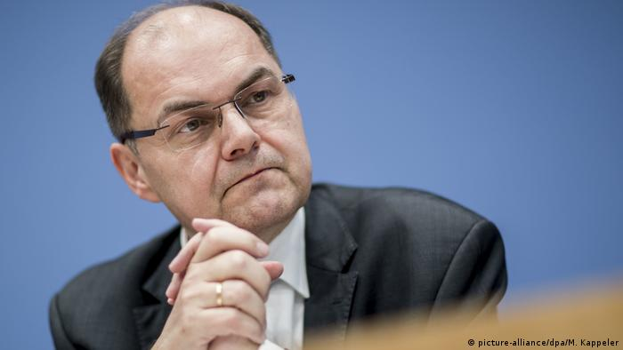 Close-up picture of German Agriculture Minister Christian Schmidt