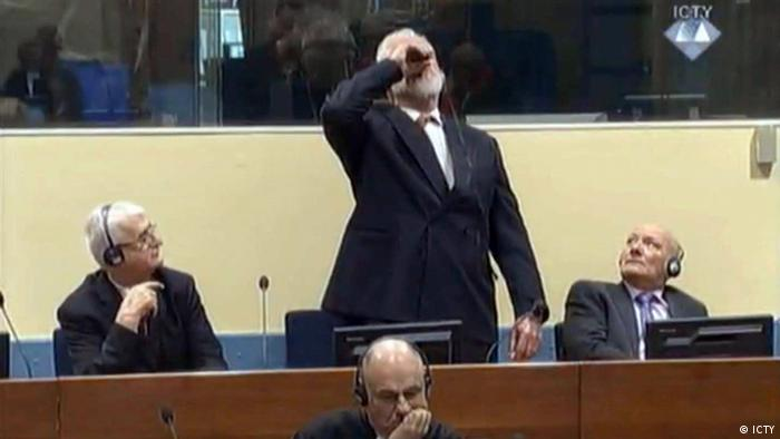 Slobodan Praljak takes poison in the Hague tribunal after hearing his sentence (ICTY)