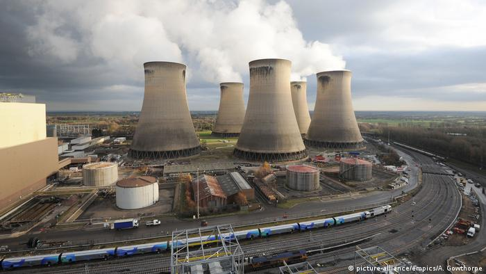England North Yorkshire Drax Kraftwerk nahe Selby (picture-alliance/empics/A. Gowthorpe)