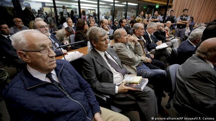 Argentinien Prozess gegen Militärs wegen Verbrechen gegen die Menschlichkeit (picture-alliance/AP Images/V.R. Caivano)