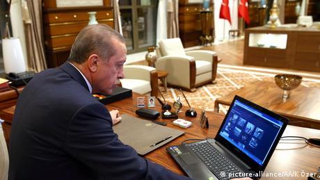 Λογοκρισία Ερντογάν και στο διαδίκτυο