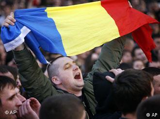 Anti-Communist Moldovans rally in Chisinau