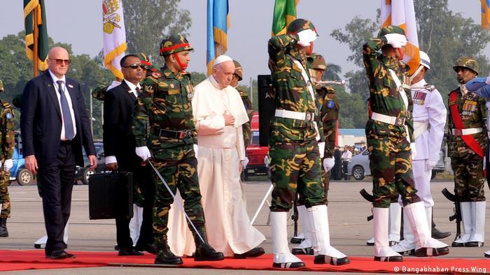 Bangladesch Besuch Papst Franziskus (DW/H.U. Rashid Swapan)