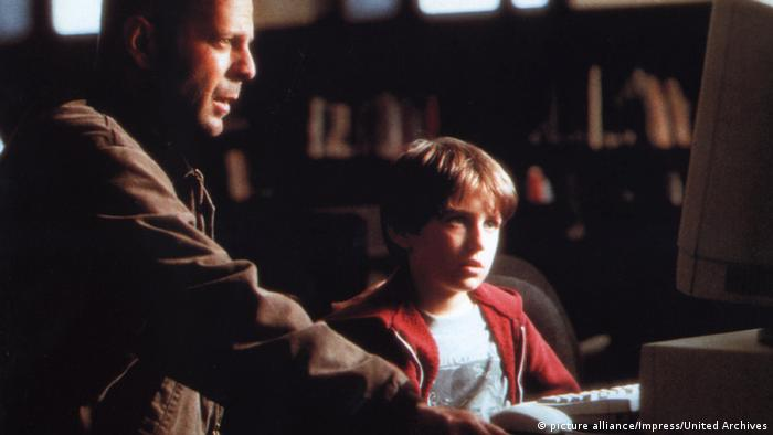 Film | Das Mercury Puzzle 1997 | Bruce Willis und Miko Hughes (picture alliance/Impress/United Archives)