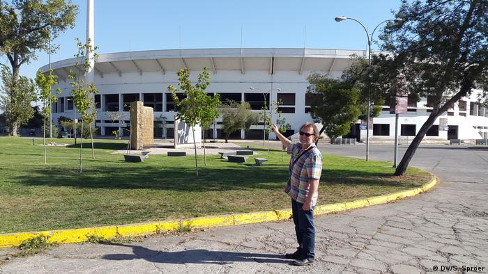 Chile nationale Gedenkstätte Estadio Nacional in Santiago de Chile | DW-Kameramann Walter Ramirez (DW/S. Spröer)