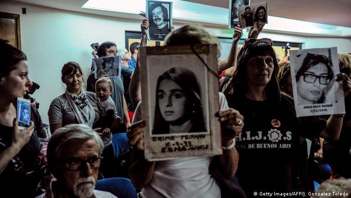 Argentinien - Prozessende zu den verübten Menschenrechtsverletzungen während der argentinischen Diktatur (Getty Images/AFP/J. Gonzalez Toledo)