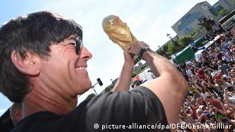 Fußball-WM 2018 in Russland - Joachim Löw (picture-alliance/dpa/DFB/Ges/M. Gilliar)