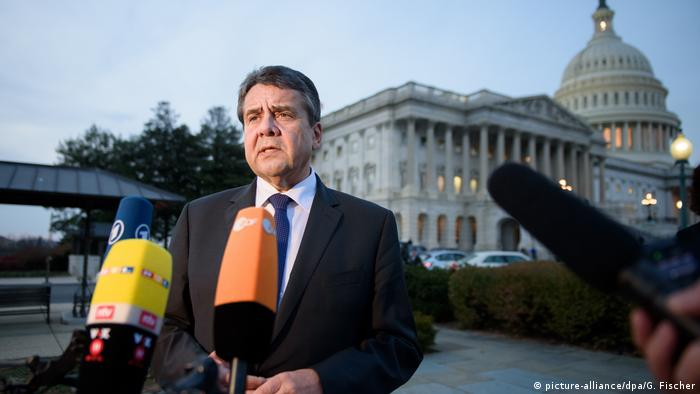 USA Außenminister Gabriel in Washington (picture-alliance/dpa/G. Fischer)