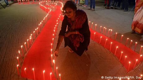 Indien Welt-AIDS-Tag (Getty Images/AFP/A. Day)