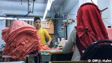 Khalil, 13 Jahre, Flüchtling aus Syrien, arbeitet in einer Istanbuler Schneiderei Aufnahmedatum: 17.11.2017 Ort: Istanbul Copyright: Julia Hahn/DW