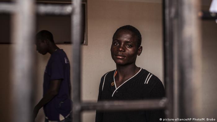 """""""تجار البشر لديهم سجون في ليبيا والنساء يتعرضن للاغتصاب"""""""