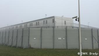Πολλοί Γερμανοί πιστεύουν ότι οι έγκλειστοι στις φυλακές της χώρας είναι κατά 50% μετανάστες. Στην πραγματικότητα όμως οι μετανάστες δεν ξεπερνούν το 30%.