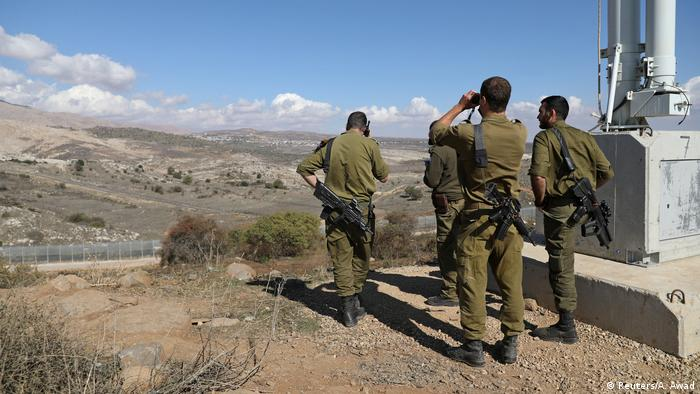 Israeli soldiers in the Golan Heights (Reuters/A. Awad)