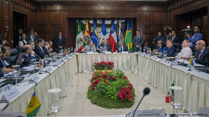 Dominikanische Republik Venezuelas Regierung und Opposition beginnen Dialog (Getty Images/E. Santelices)
