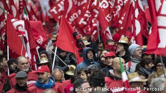 Protesta en contra de la política de ahorro de Roma.