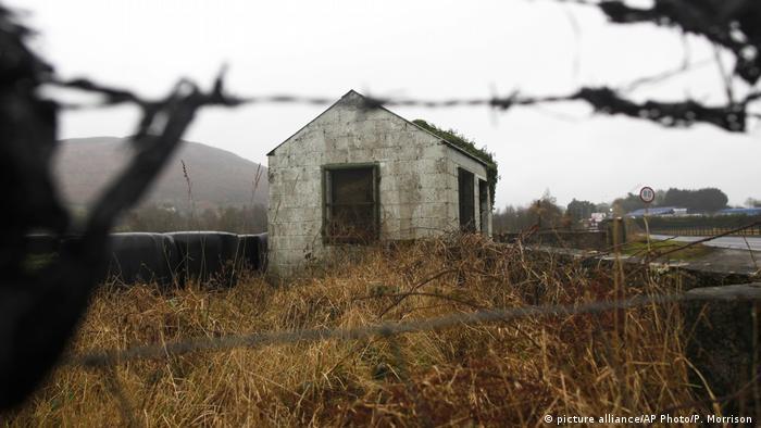 Irish border at Jonesborough (picture alliance/AP Photo/P. Morrison )