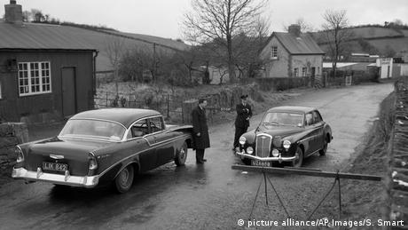 The border in County Monaghan in 1957 (picture alliance/AP Images/S. Smart)