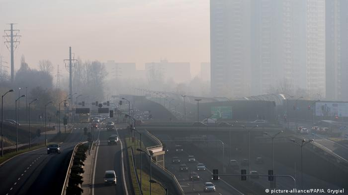 Polen Smog in Katowice (picture-alliance/PAP/A. Grygiel )