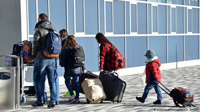 Власти Германии заплатят мигрантам за возвращение на родину