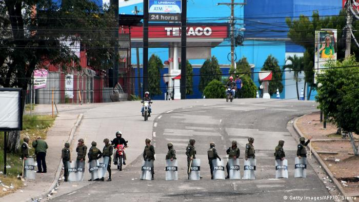 Honduras Unruhen Ausgangssperre (Getty Images/AFP/O. Sierra)