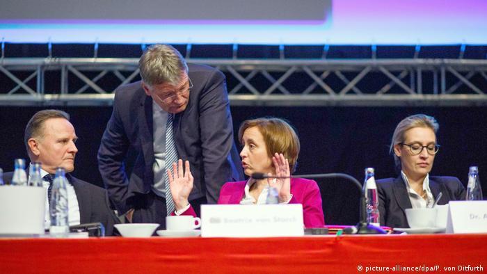 Hannover: AfD-Parteitag, Pazderski, Meuthen, Storch, Weidel (v. l. n. r.)