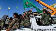 Syrien Kämpferinnen des SDF in Raqa