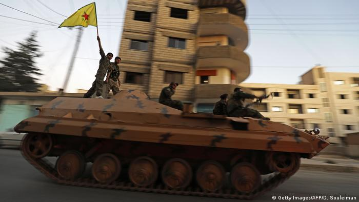 Syrien YPG Kämpfer in Qamishli (Getty Images/AFP/D. Souleiman)