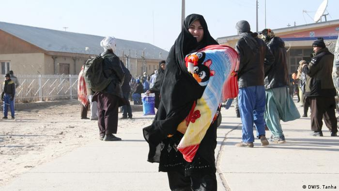 آژانس مهاجرت سازمان ملل متحد گفته است که کودکان و زنان بدون همراه نیز در میان اخراج شدگان از ایران هستند.