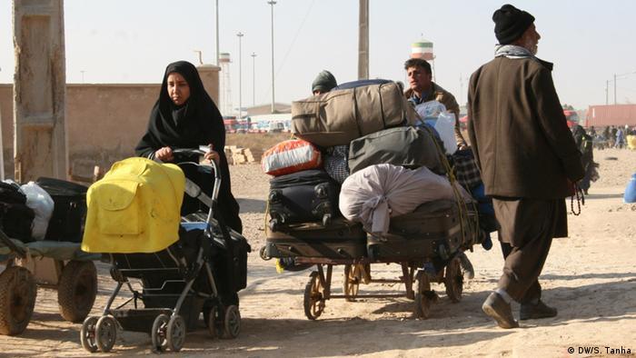 براساس گزارش این سازمان از مجموع مهاجرانی که از مرز ایران در جریان پنج روز بررسی شده در ماه نوامبر (آذرماه) وارد هرات و نیمروز شده اند، ۱۱ درصدشان خانوادهها بودهاند.