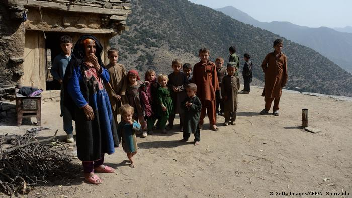 Afghan family in Nangarhar province (Getty Images/AFP/N. Shirizada)