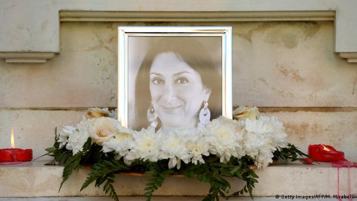 Memorial para Daphne Caruana Galizia na cidade maltesa de Valetta