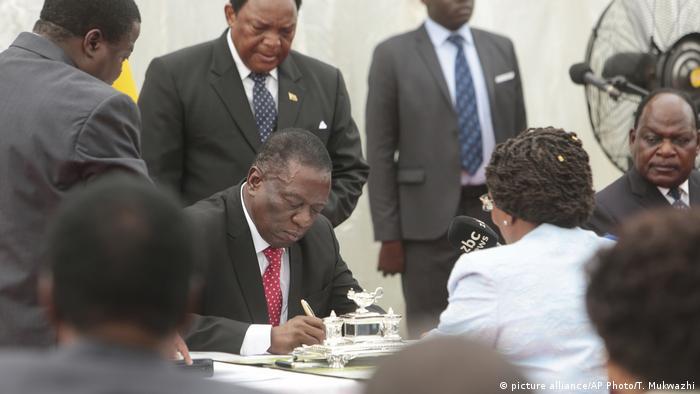 Simbabwe Amtsantritt der neuen Regierung