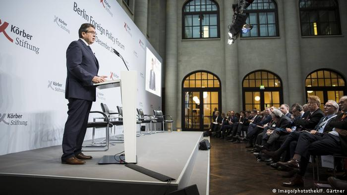 Foreign Minister Gabriel at the foreign policy forum in Berlin