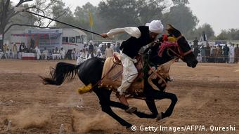 Pakistan Kavalleriesport Tentpegging (Getty Images/AFP/A. Qureshi)