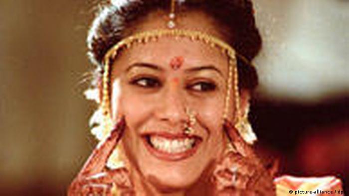 Braut in traditioneller Tracht Indien