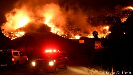 Через пожежі в Каліфорнії евакуйовано близько 200 тисяч осіб