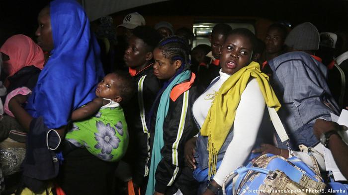 Nigeria Flüchtlinge kehren nach Lagos zurück